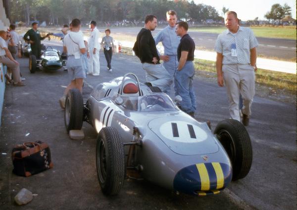 1961 Watkins Glen Gurney-Bonnier-McLarenV3 © Barcboys com